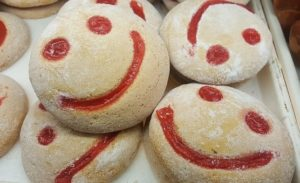 Smiling faces on cookies